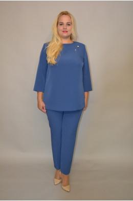 916. Брючный костюм из Крепа цвет Синий