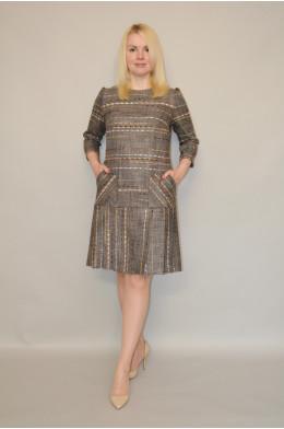 907. Платье из костюмной ткани меланж с полоской